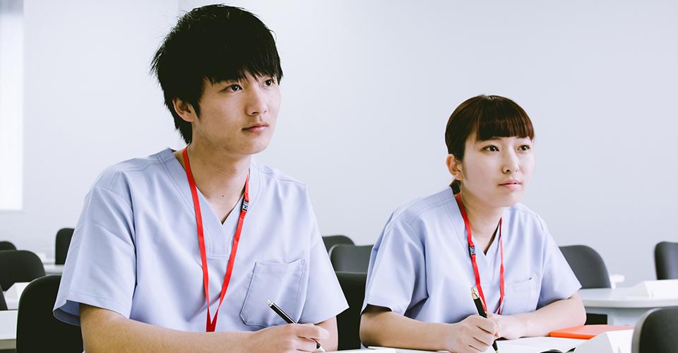 勉強する男女